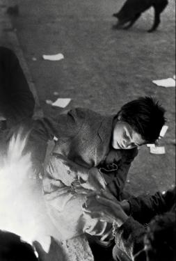 Sergio Larrain (1955) Street children, Santiago, Chile, Magnum Photos
