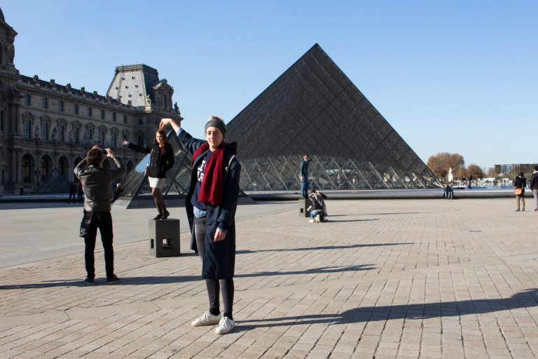 Touching monuments