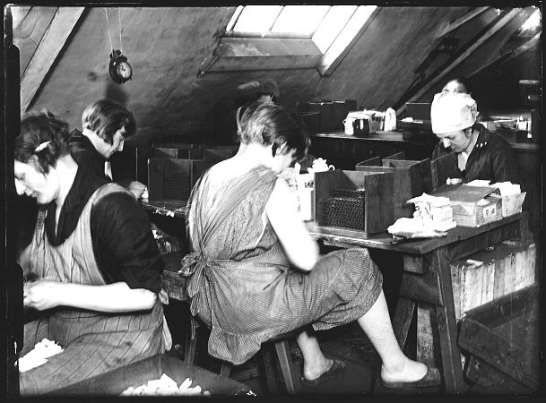 bild-1930-akkord-im-dreck-2