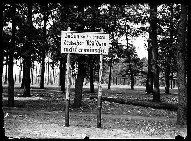 Jews are not welcome in our German forests. Surroundings of Berlin 1936