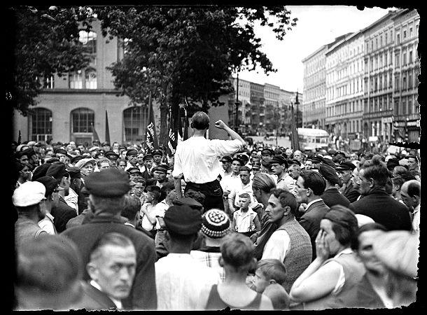 Straßenversammlung der KPD, Berlin, 1932