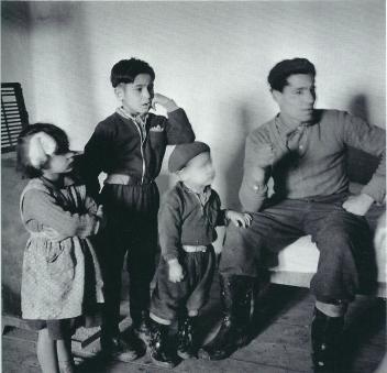 Pául Nadás (1962) Farmer and his Children