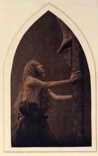 Pierre Dubreuil (1900) Maria Magdalena under the cross from the triptych Christ au Sépulcre 25 x 14.70 cm Museum of Arts and Crafts in Hamburg