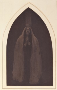 Pierre Dubreuil (1900) Mary under the cross from the triptych Christ au Sépulcre 24.80 x 14.70 cm Museum of Arts and Crafts in Hamburg