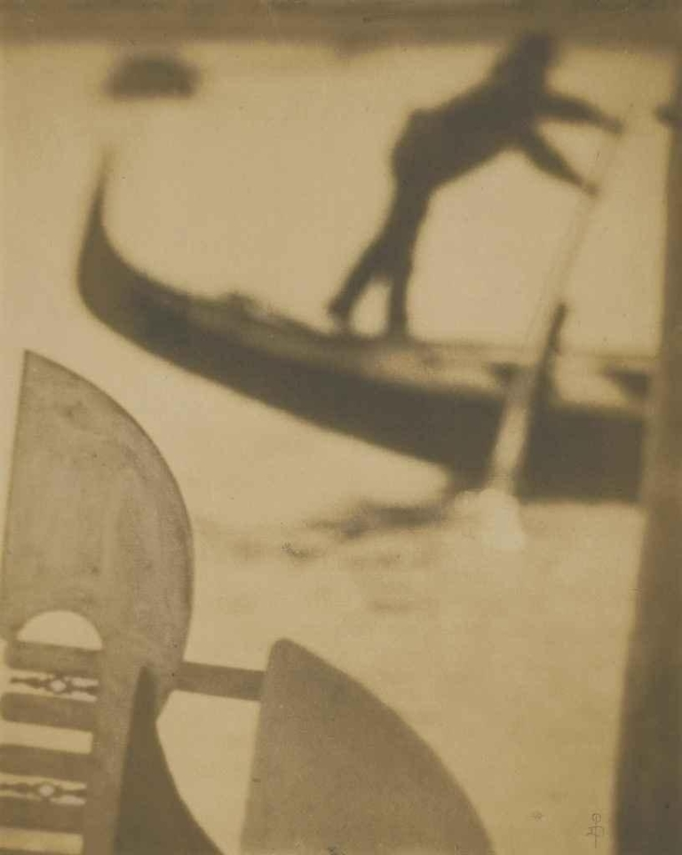 Pierre Dubreuil Venise- Une Silhouette, 1912 , 1912 silver-toned platinum print on Japanese rice paper 11¾ x 9 3:8in