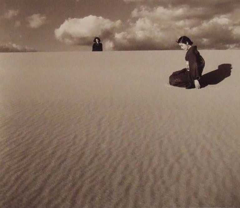shoji-ueda-my-wife-in-the-dunes-iv-1950