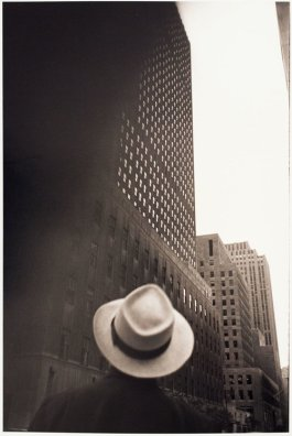 Looking-at-the-RCA-Building-at-Rockefeller-Center-New-York-NY-1949