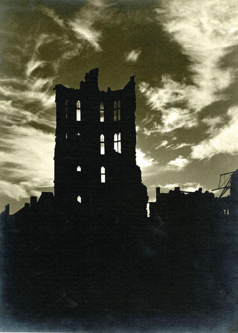 Köln, Rathaus, ca. 1944