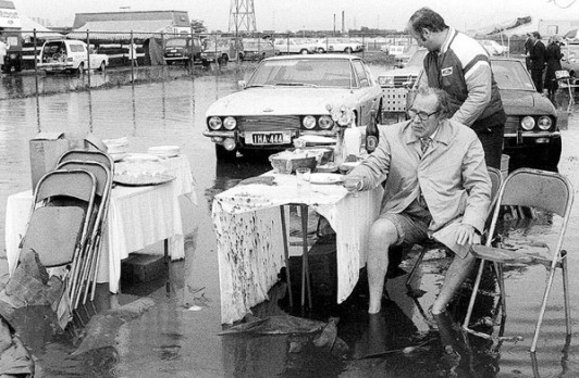 Rennie Ellis (1976) Up to His Ankles, Melbourne Cup, 1976.