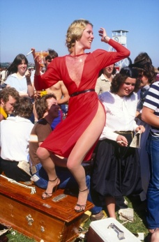 Rennie Ellis (1982) Lady in Red, Melbourne Cup, 1982.