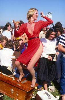 Rennie Ellis (1982) Lady in Red, Melbourne Cup, 1982.