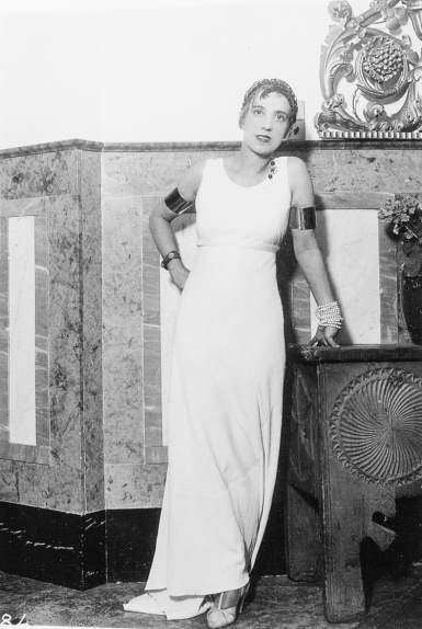 Séeberger Frères (January 1932) Elsa Schiaparelli coifed by Antoine, New Year's Day, Saint-Moritz.
