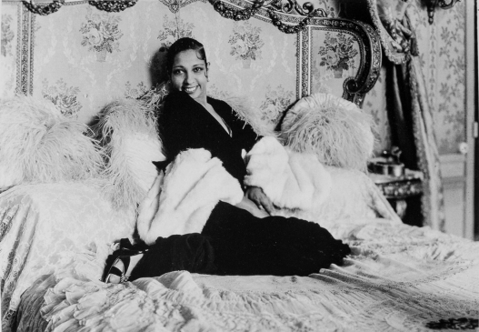 Séeberger brothers (winter 1931/2) Joséphine Baker at Vésinet.