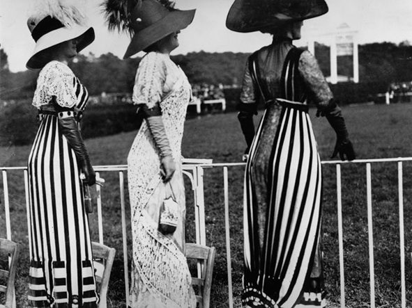 jacques henri lartigue, at the auteuil races, 1912, reproduced in jacques-henri lartigue. diary of a century. new york- viking press, 1970