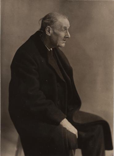 Berenice Abbott (1927) Eugène Atget. Detroit Institute of Arts.