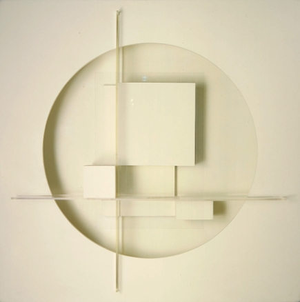 Theodore Roszak (1937) Construction in White. Wood, masonite, plastic, acrylic and plexiglass 203.8 x 203.6 x 46.4 cm. Smithsonian American Art Museum, Gift of the artist (1968).