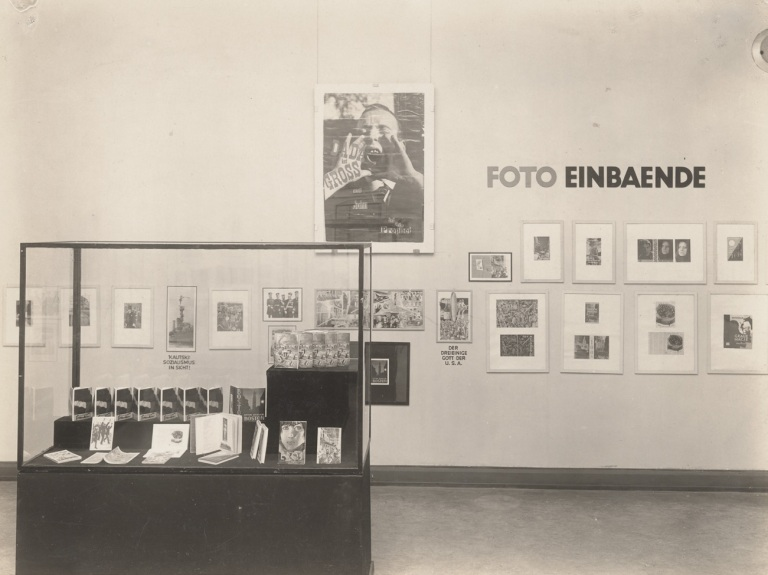 Film und Foto exhibition, Stuttgart, 1929. Installation view of Room 3, the John Heartfield room. Exhibition design by John Heartfield. Archiv John Heartfield, no. 619, Akademie der Künste Berlin