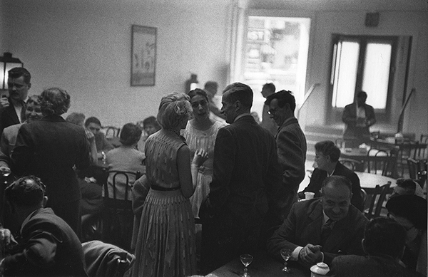 Arthur Lavine, Opening party (Helen Gee and Peggy Tallmer in center), ca. 1954 Courtesy Gary Schneider