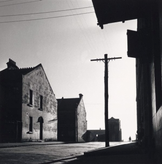 David Moore (1948) Surry Hills street, gelatin silver photograph, 36.4 × 33.9 cm, National Gallery of Victoria Accession NumberPH1-1969. Purchased through the KODAK (Australasia) PTY LTD Fund, 1969