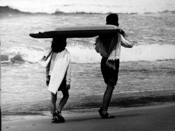 Beverley Clifford (1960s) Children carrying Li-Lo to the surf.