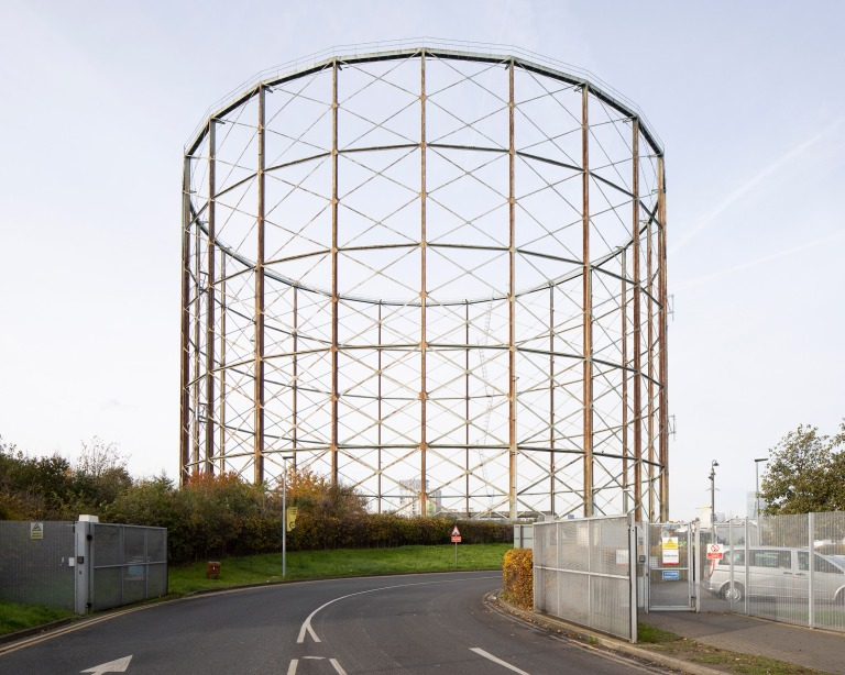 gasholders-uk-offgrid-richard-chivers-photography_dezeen_2364_col_14