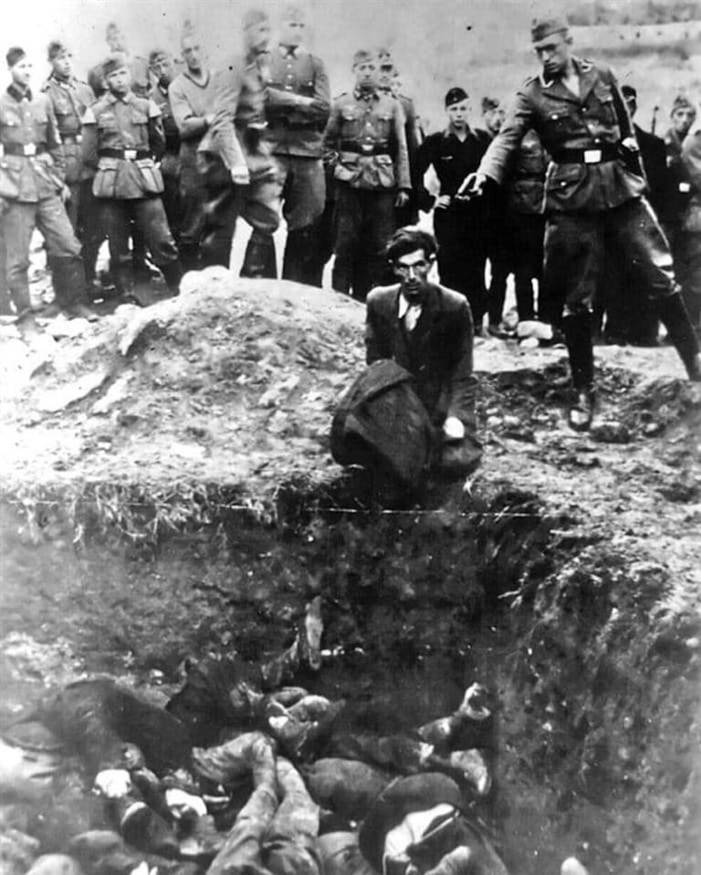 The_last_Jew_in_Vinnitsa,_1941