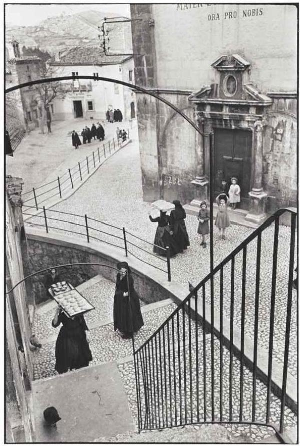 Henri Cartier-Bresson. ITALY. Abruzzo. Scanno. 1951