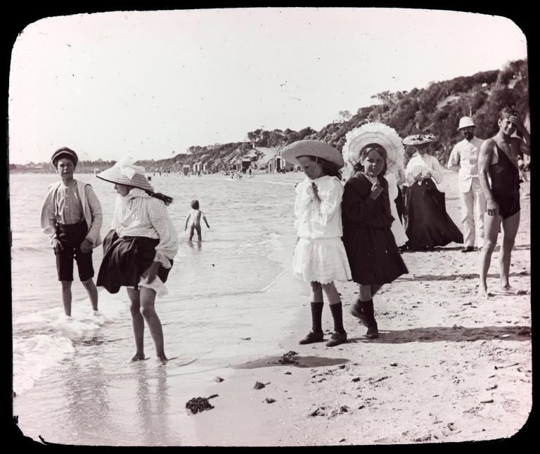 Beaumaris paddlers