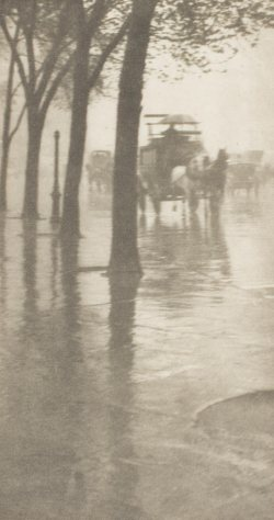Alfred Stieglitz (1901) Spring Showers--The Coach [Camera Notes, vol. 5] 1901 Photogravure 13.7 x 7.3 cm Philadelphia Museum of Art Gift of William Innes Homer