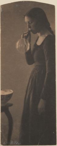 Clarence White (1898) bromoil, 19.4 x 7.5 cm